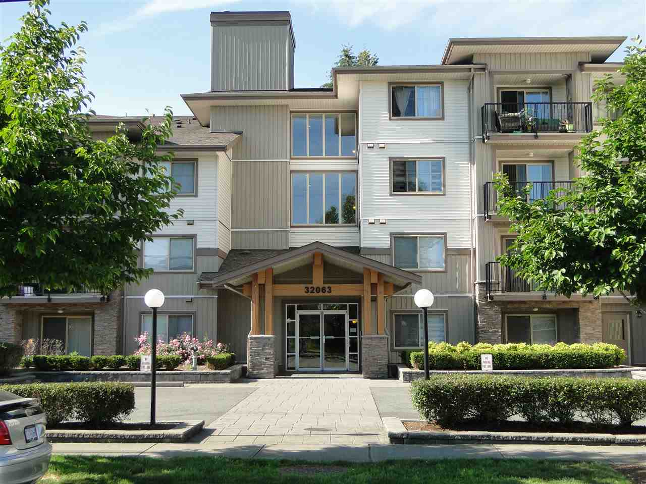 "Main Photo: 309 32063 MT WADDINGTON Avenue in Abbotsford: Abbotsford West Condo for sale in ""The Waddington"" : MLS® # R2078577"