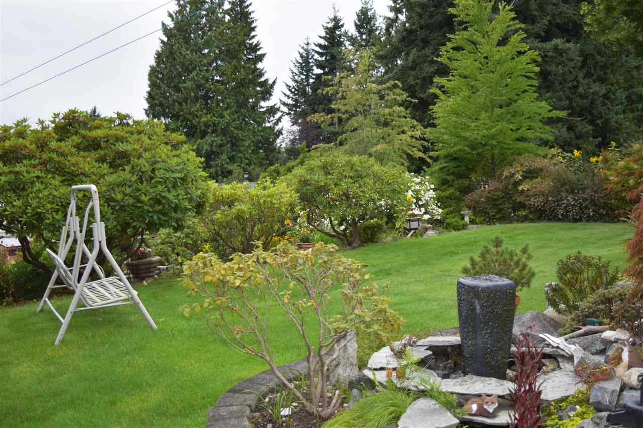 Photo 15: Photos: 5203 RADCLIFFE Road in Sechelt: Sechelt District House for sale (Sunshine Coast)  : MLS® # R2097487