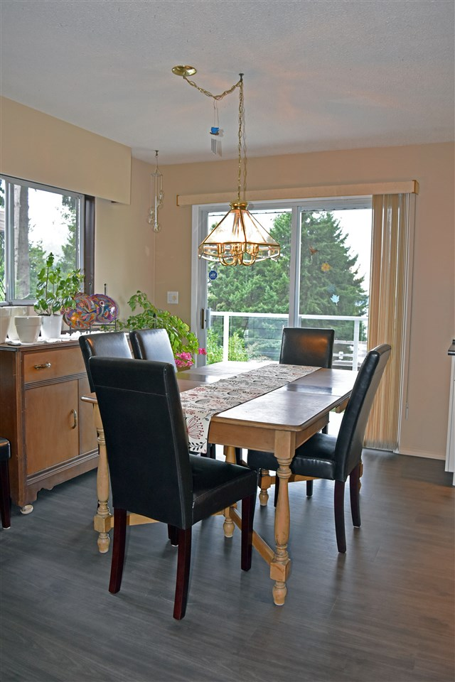 Photo 8: Photos: 5203 RADCLIFFE Road in Sechelt: Sechelt District House for sale (Sunshine Coast)  : MLS® # R2097487