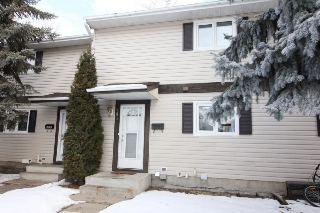 Main Photo: 303 Spruce Glen: Spruce Grove Townhouse for sale : MLS(r) # E4048752