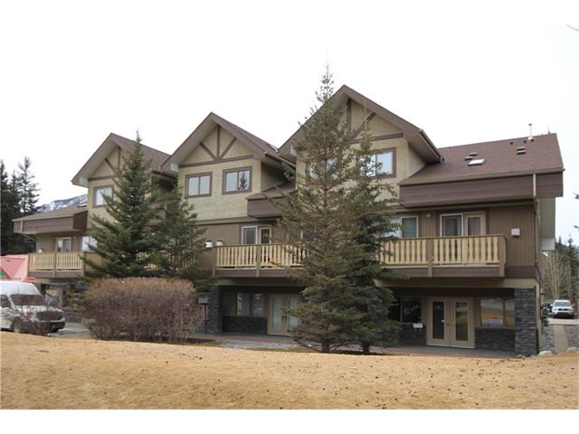 Main Photo: 201 512 Bow Valley Trail: Canmore Condo for sale : MLS® # C4109137