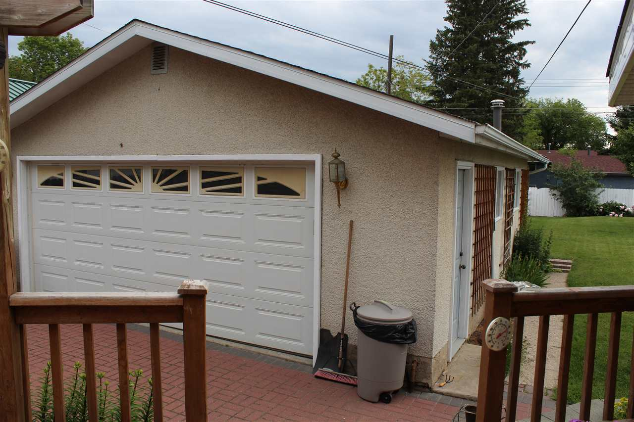 Double car garage, heated, insulated, 220 wiring