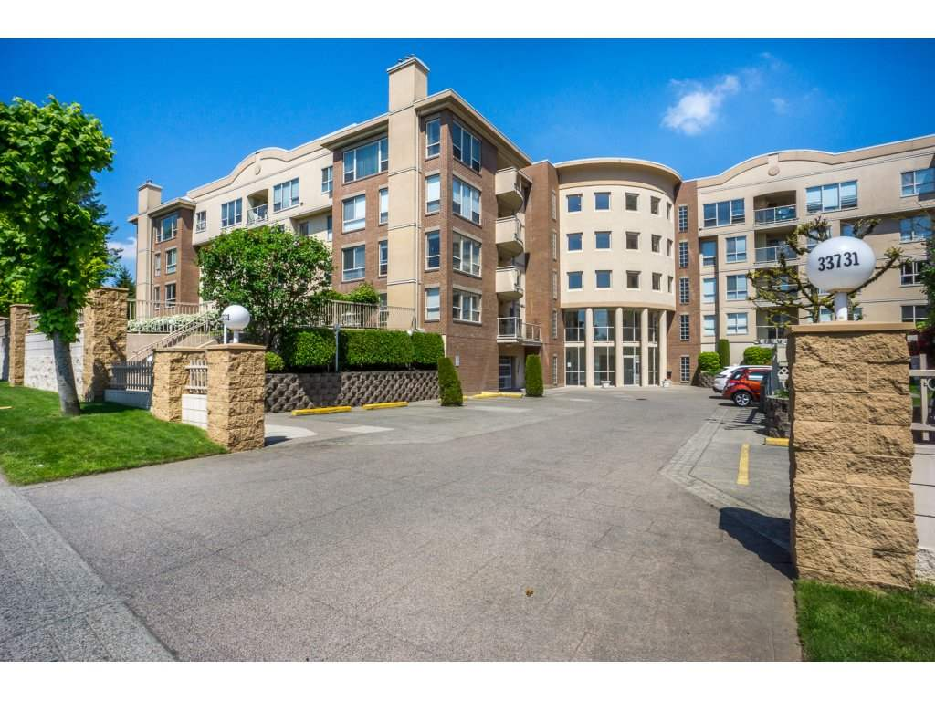 "Main Photo: 310 33731 MARSHALL Road in Abbotsford: Central Abbotsford Condo for sale in ""STEPHANIE PLACE"" : MLS® # R2168281"