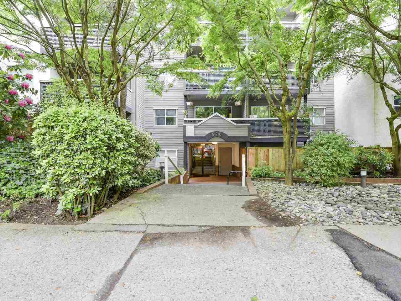 Main Photo: 204 570 E 8TH Avenue in Vancouver: Mount Pleasant VE Condo for sale (Vancouver East)  : MLS®# R2173806