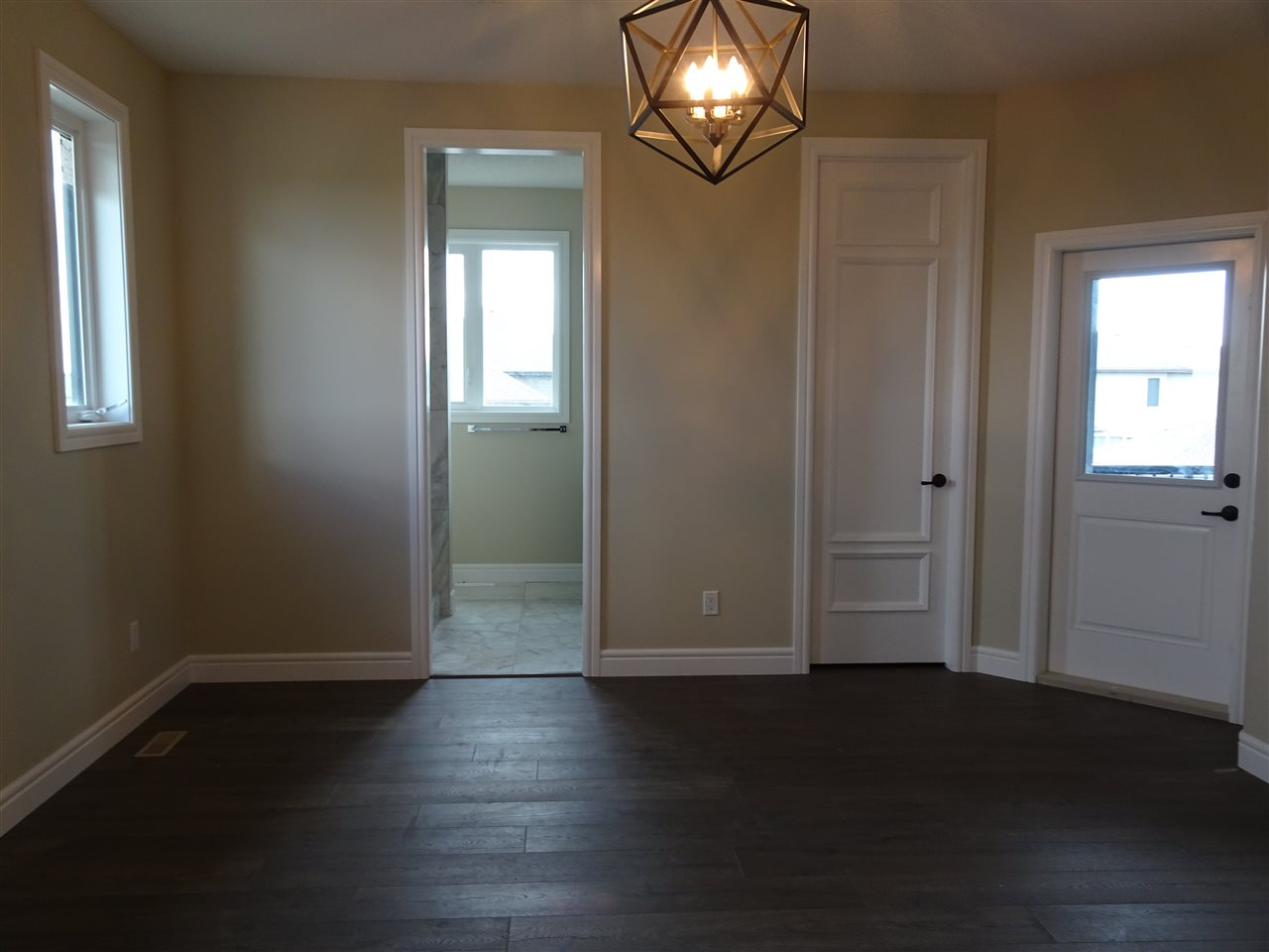 Photo 8: 7235 MAY Road in Edmonton: Zone 14 House Half Duplex for sale : MLS® # E4068494