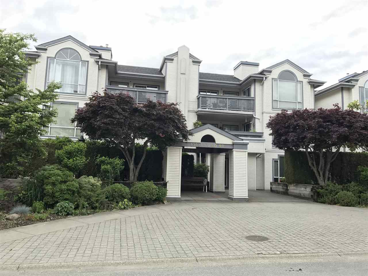 Main Photo: 304 19121 FORD Road in Pitt Meadows: Central Meadows Condo for sale : MLS® # R2177772