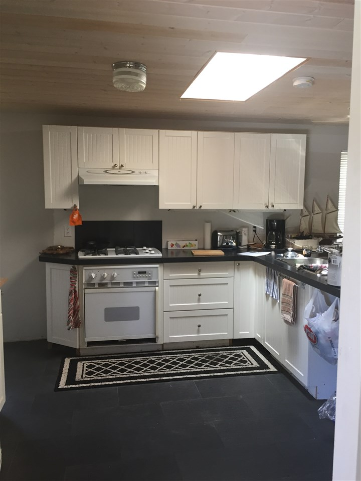 Photo 4: Photos: 15 4514 SUNSHINE COAST Highway in Sechelt: Sechelt District Manufactured Home for sale (Sunshine Coast)  : MLS® # R2181853