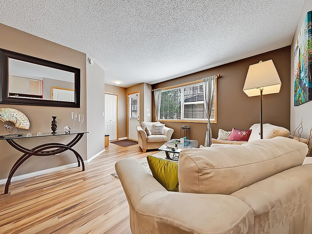 Main Photo: 101 15 EVERRIDGE Square SW in Calgary: Evergreen House for sale : MLS® # C4131530