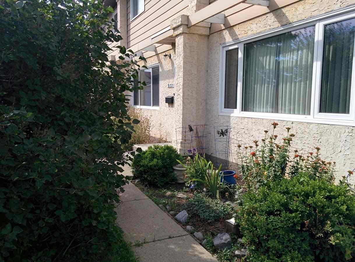 Main Photo: 5132 106A Street in Edmonton: Zone 15 Townhouse for sale : MLS® # E4076398
