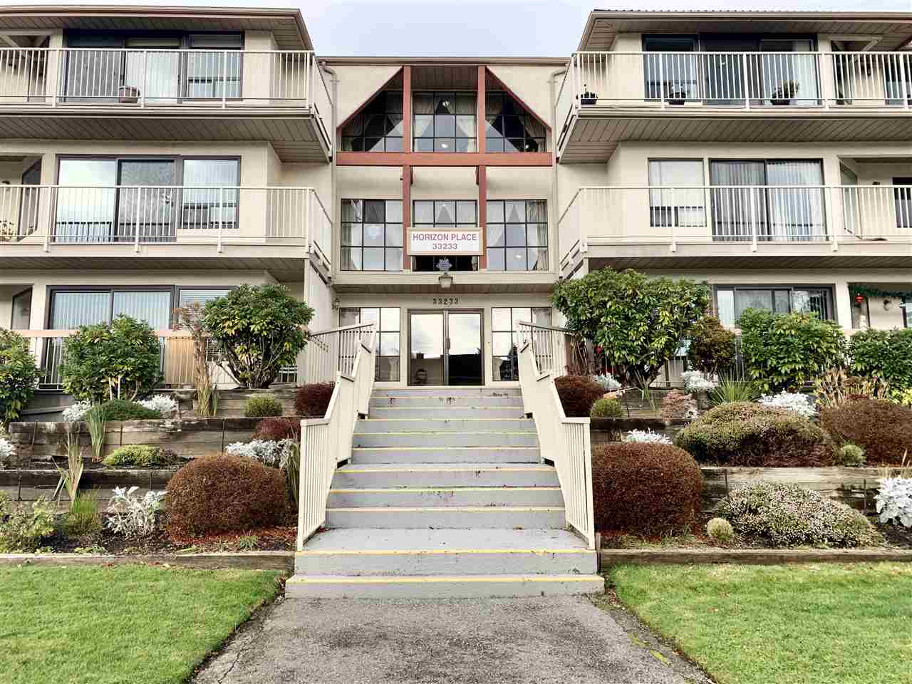FEATURED LISTING: 109 - 33233 BOURQUIN Crescent East Abbotsford