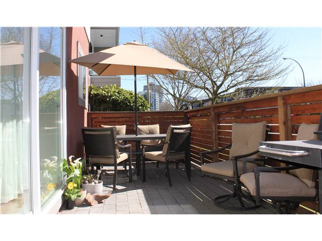 "Photo 7: 10 308 W 2ND Street in North Vancouver: Lower Lonsdale Condo for sale in ""Mohan Gardens"" : MLS® # V1055350"