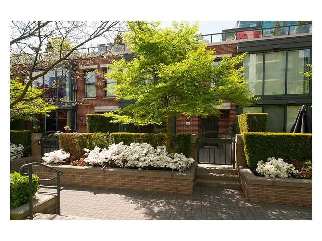 "Main Photo: 1437 W 7TH Avenue in Vancouver: Fairview VW Townhouse for sale in ""Portico"" (Vancouver West)  : MLS(r) # V1064746"