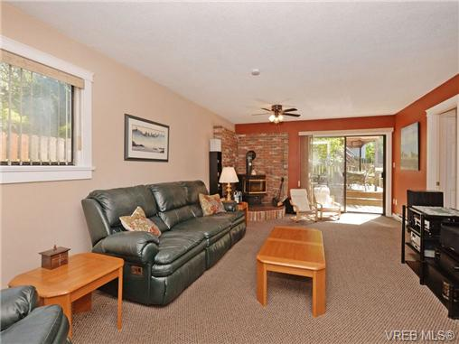 Photo 14: 885 Afriston Place in VICTORIA: Co Triangle Single Family Detached for sale (Colwood)  : MLS(r) # 350033