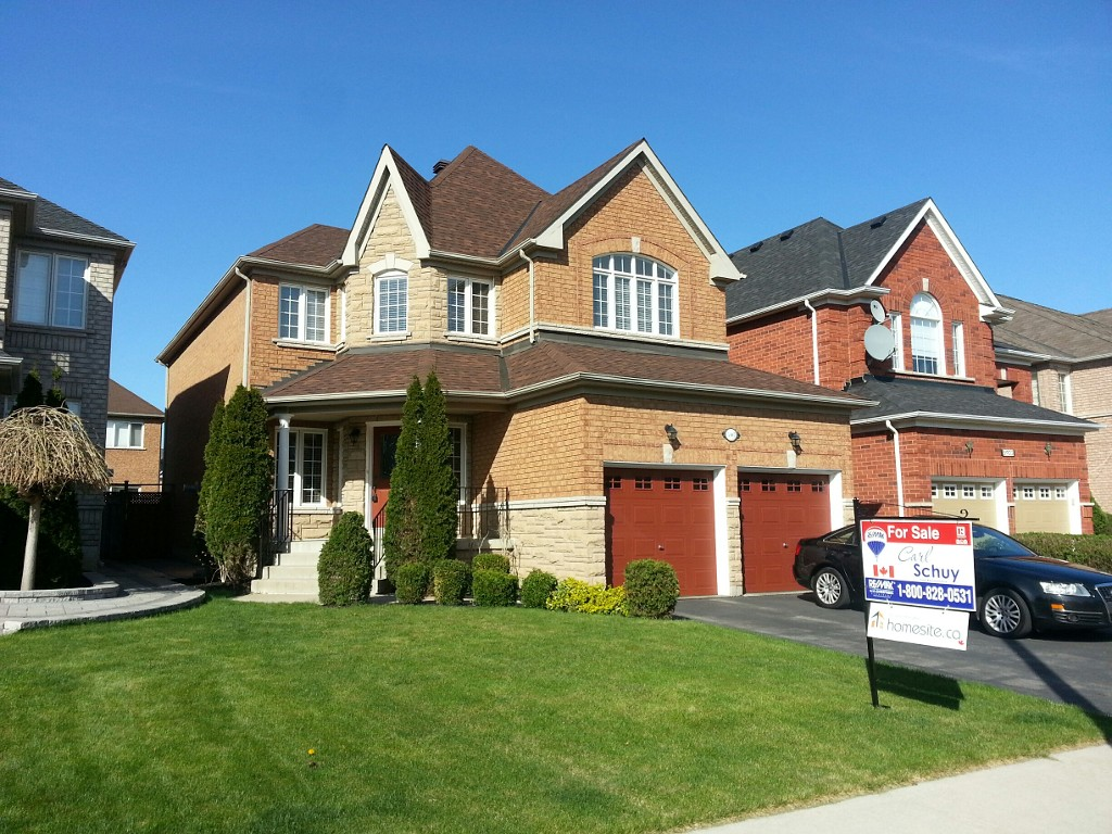 Main Photo: 5907 Bassinger Place in Mississauga: Churchill Meadows House (2-Storey) for sale : MLS(r) # W3189561
