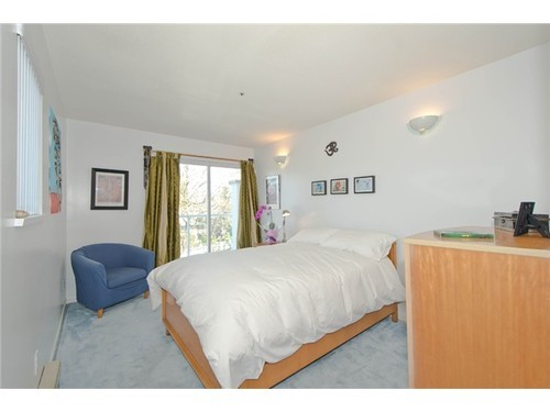 Photo 6: 1 1568 22ND Ave E in Vancouver East: Knight Home for sale ()  : MLS® # V997927