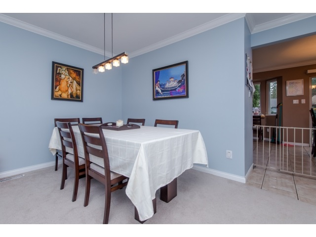 Photo 5: 5 2525 SHAFTSBURY Place in Port Coquitlam: Woodland Acres PQ Townhouse for sale : MLS® # R2013997