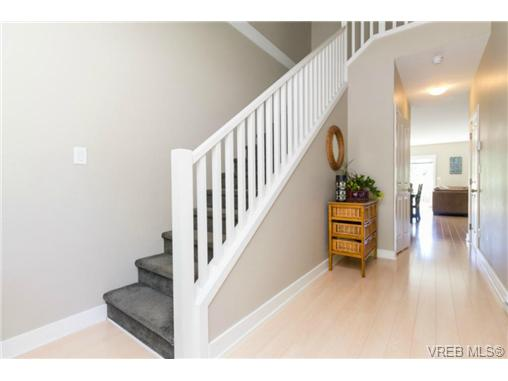 Photo 3: 1269 Goldstream Avenue in VICTORIA: La Langford Lake Single Family Detached for sale (Langford)  : MLS® # 360741