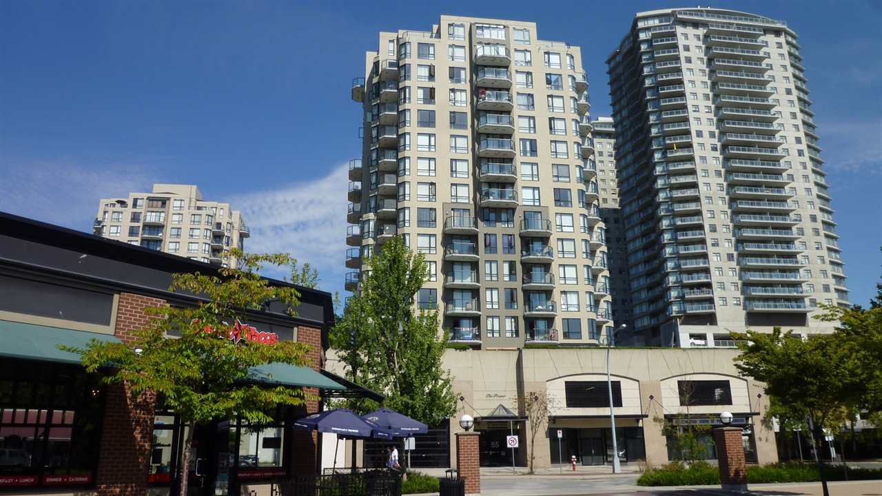 "Main Photo: 705 55 TENTH Street in New Westminster: Downtown NW Condo for sale in ""WESTMINSTER TOWERS"" : MLS® # R2039939"