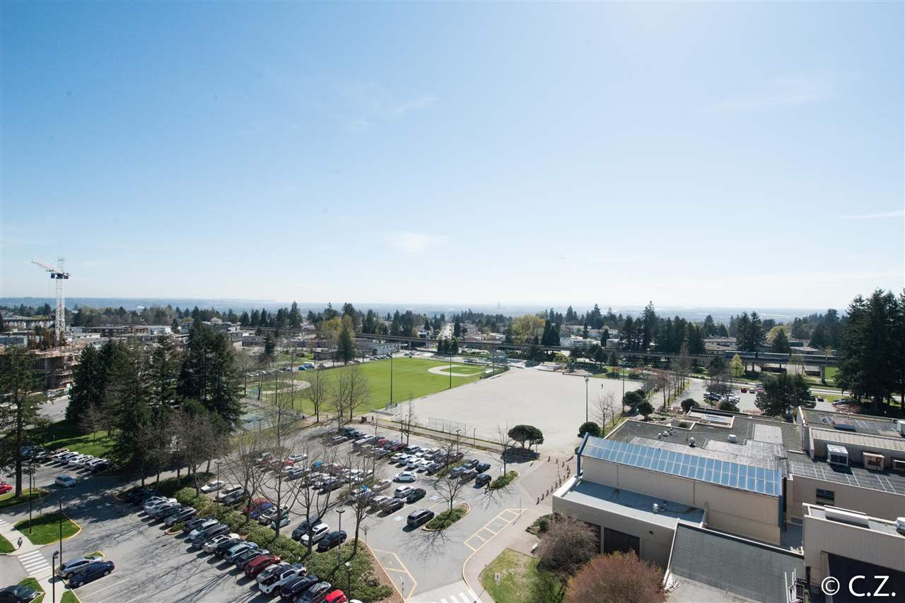 Main Photo: 1202 4830 BENNETT Street in Burnaby: Metrotown Condo for sale (Burnaby South)  : MLS® # R2052659