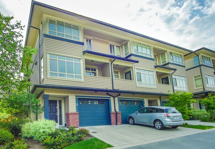 "Main Photo: 9 13771 232A Street in Maple Ridge: Silver Valley Townhouse for sale in ""SILVER HEIGHTS ESTATES"" : MLS(r) # R2065258"