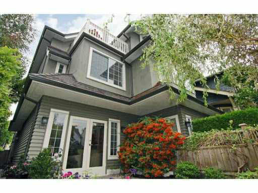 Main Photo: 3475 W 3RD AVENUE in : Kitsilano House 1/2 Duplex for sale : MLS®# V792087