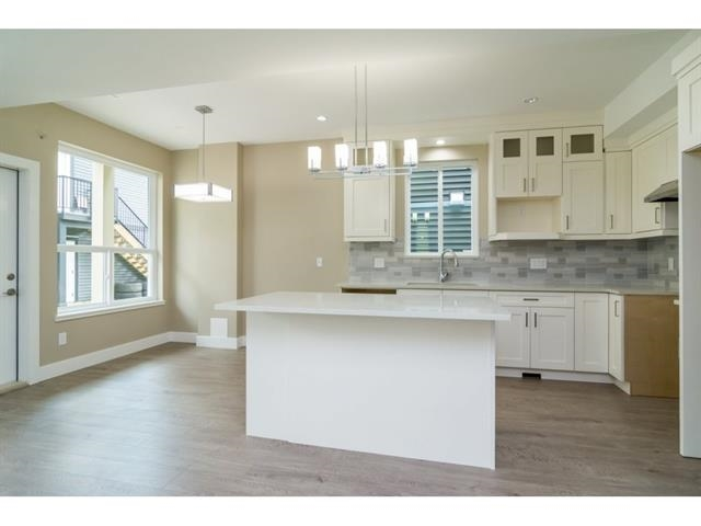 Photo 7: 2710 MCMILLAN Road in Abbotsford: Abbotsford East House for sale : MLS® # R2152600