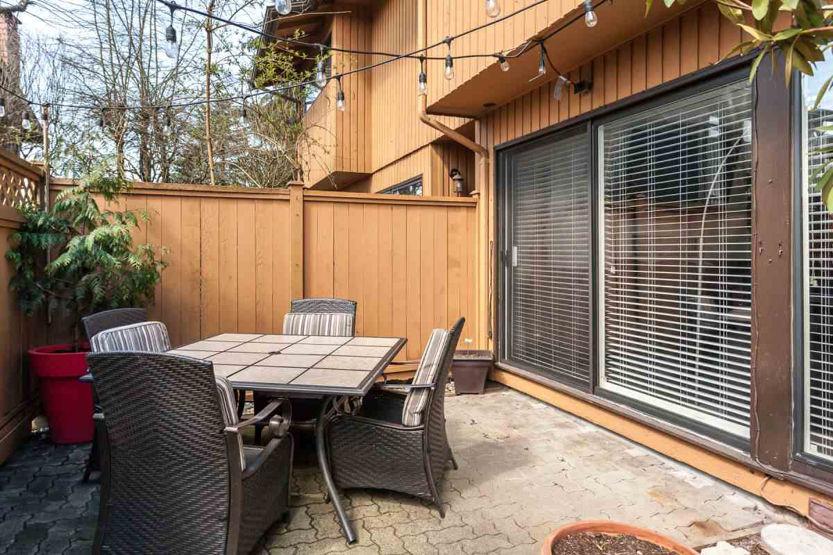"Photo 2: 9011 LYRA Place in Burnaby: Simon Fraser Hills Townhouse for sale in ""SIMON FRASER HILLS"" (Burnaby North)  : MLS® # R2156291"