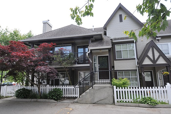 "Main Photo: 109 12099 237TH Street in Maple Ridge: East Central Townhouse for sale in ""Gabriola"" : MLS(r) # R2173607"