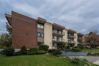 Main Photo: 108 505 NINTH Street in New Westminster: Uptown NW Condo for sale : MLS(r) # R2176796