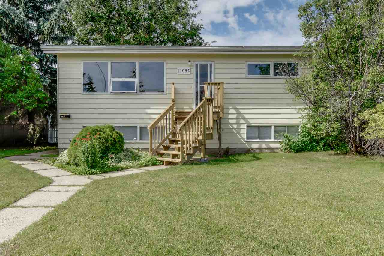 Main Photo: 11052 157 Street in Edmonton: Zone 21 House for sale : MLS® # E4071604