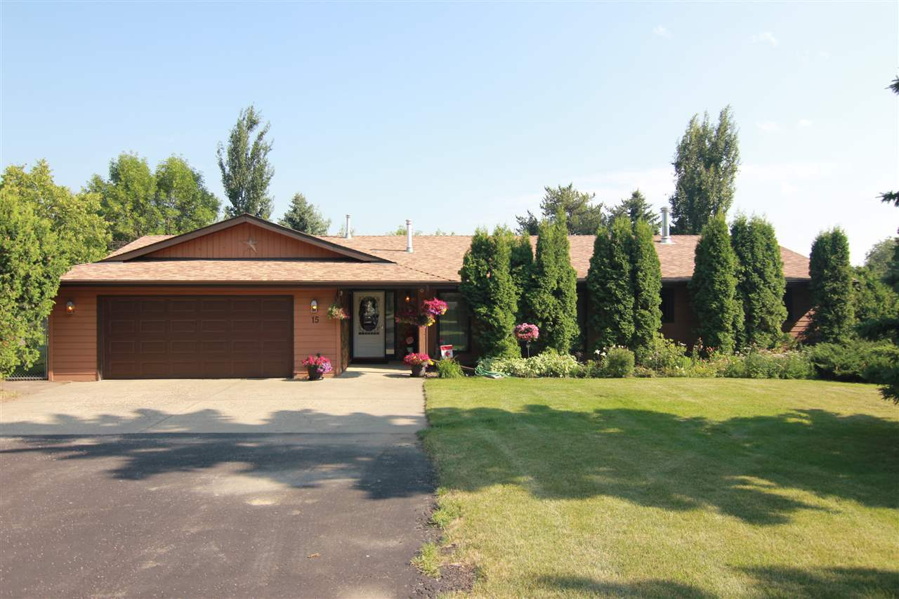 Main Photo: 15 Manor View Crescent: Rural Sturgeon County House for sale : MLS® # E4073978
