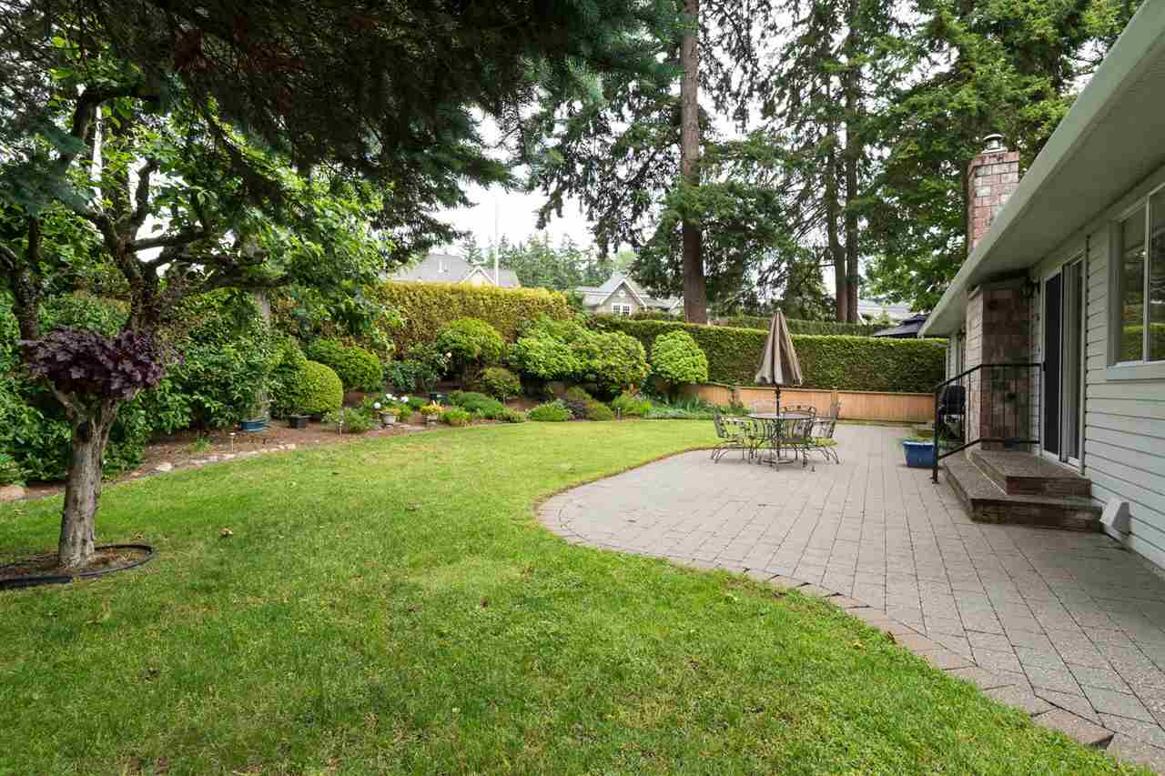 "Photo 18: 12775 20A Avenue in Surrey: Crescent Bch Ocean Pk. House for sale in ""Ocean Cliff Estates"" (South Surrey White Rock)  : MLS® # R2189184"