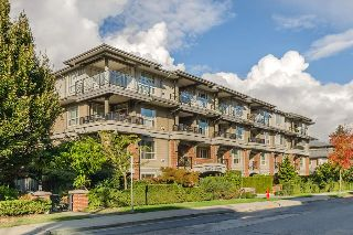 "Main Photo: 401 15357 17A Avenue in Surrey: King George Corridor Condo for sale in ""Madison"" (South Surrey White Rock)  : MLS® # R2213852"