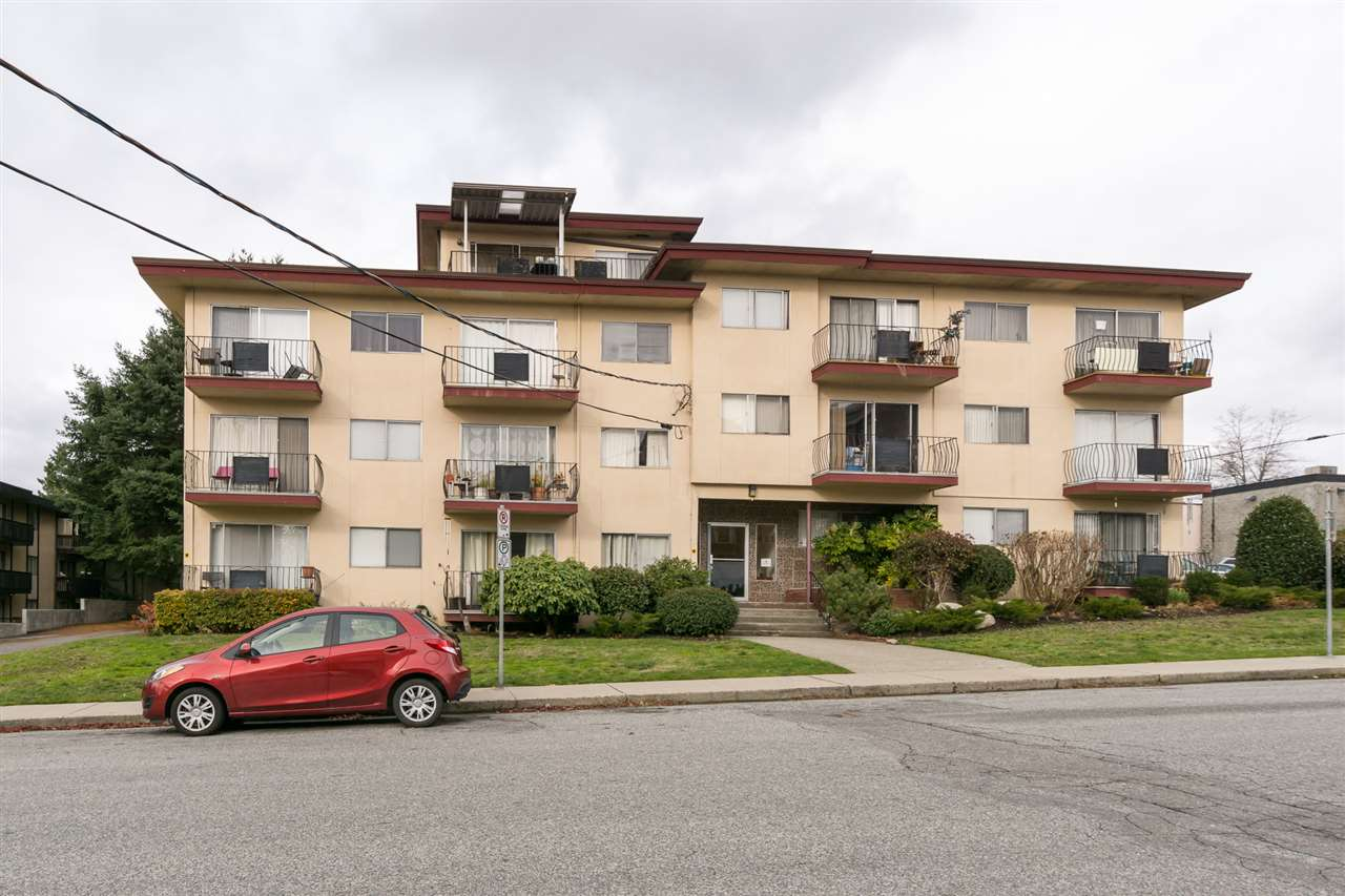 "Main Photo: 313 611 BLACKFORD Street in New Westminster: Uptown NW Condo for sale in ""MAYMONT MANOR"" : MLS® # R2222135"