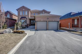 Main Photo: 27 Cherokee Drive in Vaughan: Maple Freehold for sale