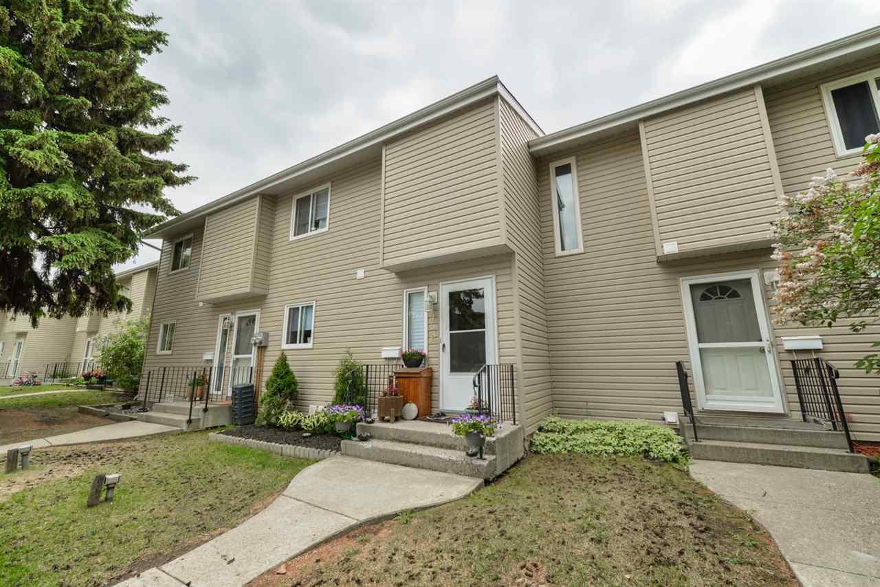 Main Photo: 153 87 Brookwood Drive: Spruce Grove Townhouse for sale : MLS®# E4113979