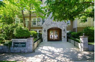 "Main Photo: 205 5556 14 Avenue in Delta: Cliff Drive Condo for sale in ""Windsor Woods"" (Tsawwassen)  : MLS®# R2281700"