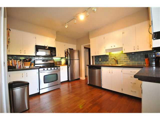 Photo 3: 4273 W 10TH Avenue in Vancouver: Point Grey House  (Vancouver West)  : MLS(r) # V869519