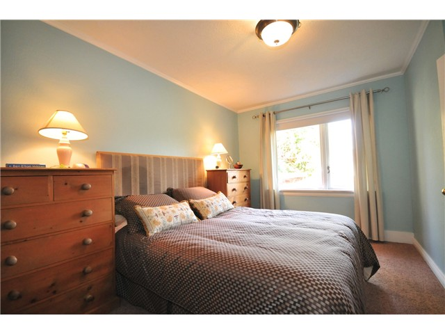 Photo 6: 4273 W 10TH Avenue in Vancouver: Point Grey House  (Vancouver West)  : MLS(r) # V869519