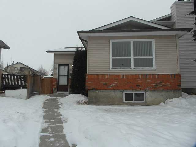 Main Photo: 123 DEERVIEW Court SE in CALGARY: Deer Ridge Residential Attached for sale (Calgary)  : MLS(r) # C3595082