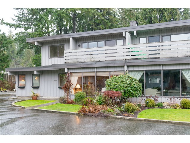 "Main Photo: 3664 EDGEMONT BV in North Vancouver: Edgemont House 1/2 Duplex for sale in ""VILLAGE GREEN"" : MLS®# V1041042"
