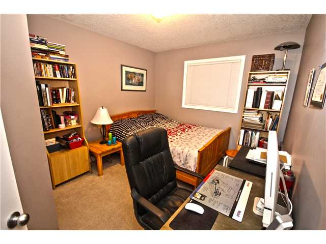 Photo 10: 58 CRYSTAL SHORES Cove: Okotoks Townhouse for sale : MLS(r) # C3643432