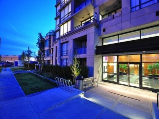 "Main Photo: 1602 3333 CORVETTE Way in Richmond: West Cambie Condo for sale in ""WALL CENTRE RICHMOND"" : MLS®# V1102801"