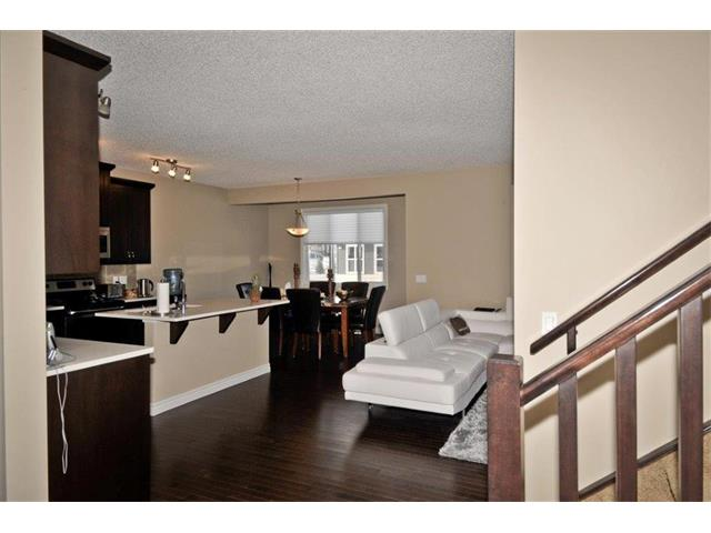 Photo 3: 200 EVANSFIELD Way NW in Calgary: Evanston House for sale : MLS® # C4016200