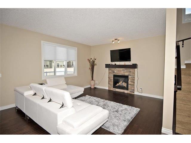 Photo 5: 200 EVANSFIELD Way NW in Calgary: Evanston House for sale : MLS® # C4016200