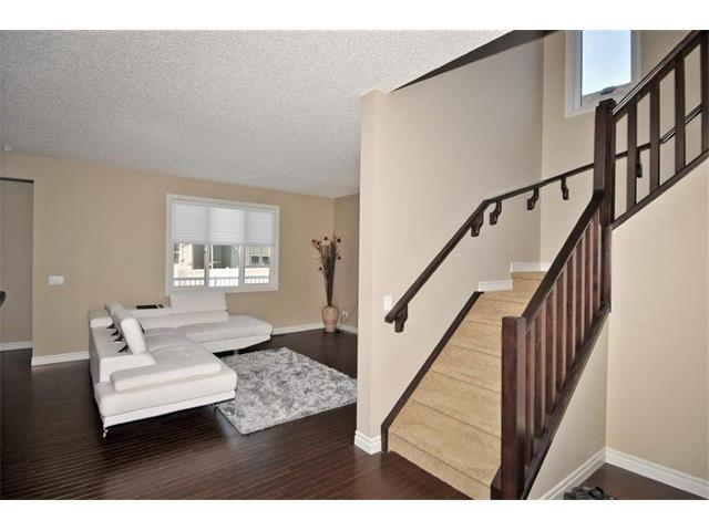 Photo 4: 200 EVANSFIELD Way NW in Calgary: Evanston House for sale : MLS® # C4016200