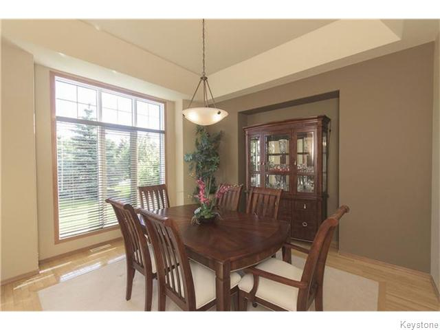Photo 4: 159 EAGLE CREEK Drive in ESTPAUL: Birdshill Area Residential for sale (North East Winnipeg)  : MLS(r) # 1523029