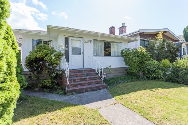 Main Photo: 5748 SOPHIA Street in Vancouver: Main House for sale (Vancouver East)  : MLS® # R2060588