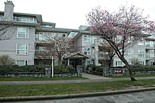 Main Photo: 305 2965 HORLEY STREET in : Collingwood VE Condo for sale : MLS® # V331414