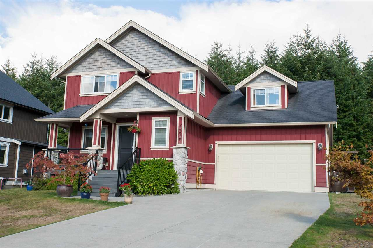 "Main Photo: 38618 CHERRY Drive in Squamish: Valleycliffe House for sale in ""RAVENS PLATEAU"" : MLS(r) # R2104714"